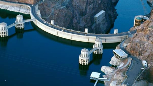 Hoover dam pretty full