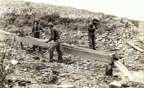 Sluice-box-placer-gold-mining-c-1889-daniel-hagerman